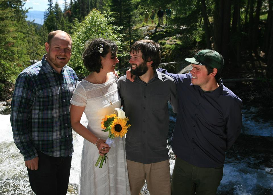 bearcreekhikinginmontanawedding