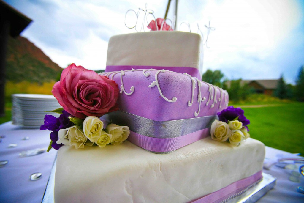 weddingcakeglenwoodspringsco